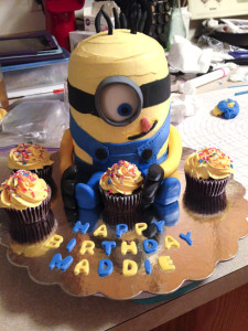 Making a minion cake
